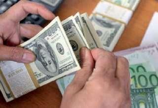 دلالان در کمین سرمایههای مردم/ توقف موقتی فروش دلار در صرافیها