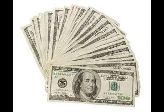 مقاومت دلار در برابر کاهش قیمت