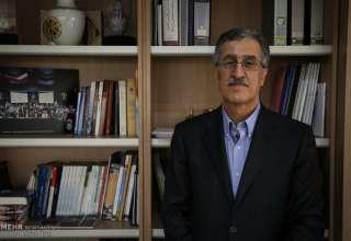 سیگنالهای توقف رشد سرمایهگذاری/چرا اقتصاد ایران از ریل خارج شد؟