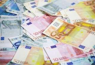 سقوط ۳۵۵تومانی یورو و ۷۶تومانی دلار