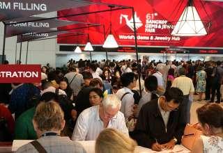افتتاح شصت و یکمین نمایشگاه طلا و جواهر بانکوک + عکس