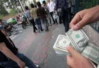بستن صرافیها، بازار ارز را کنترل نمیکند