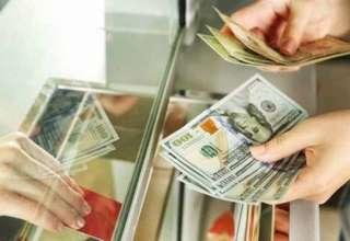 بازار زیرزمینی مبادلات دلار/ خرید و فروش تلفنی ارز رونق گرفت