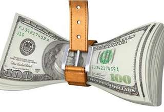 واردکنندگان هنوز نتوانستهاند دلار ۴۲۰۰ تومانی بگیرند