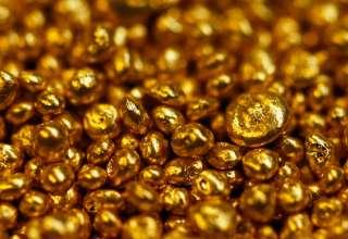 رونق بازار طلای آب شده در شرایط رکود بازار مصنوعات/ جریان قاچاق طلا به خارج از کشور شکل گرفته است