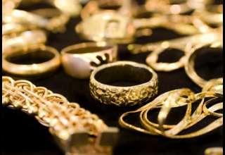 قیمت طلا همزمان با کاهش ارزش دلار آمریکا افزایش یافت