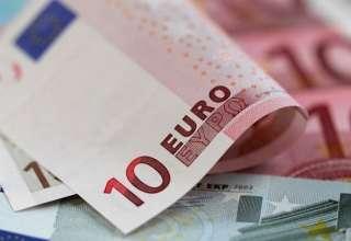 فروش اسکناس ارز تا سقف ۵۰۰۰ یورو در صرافی ها برمبنای نرخ بازار + سند