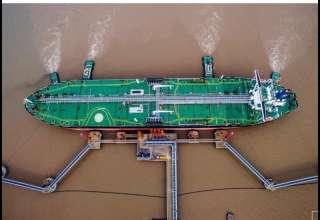 کاهش صادرات نفت خام ایران بهرغم معافیت کشورها از تحریم آمریکا