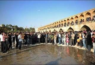 سلام دوباره به زاینده رود/ مردم اصفهان دوشنبه چشم به راه هستند