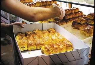اتحادیه قنادان: مردم توان خرید شیرینی ندارند ۴۰ درصد از فروش قنادان تهران کاسته شده