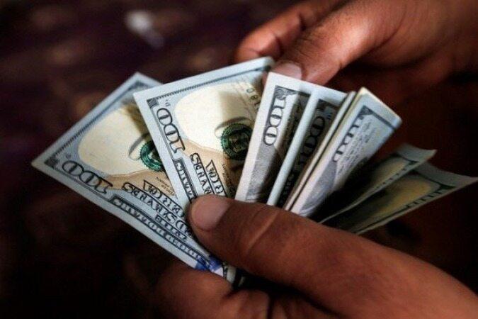 بانکها برای سفرها دلار نمیدهند/جزئیات نرخ خرید بانکی ارز از مردم