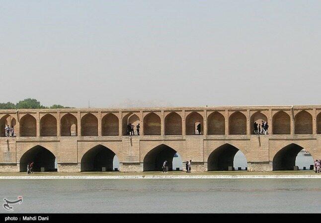 مهمان ۲۰روزه اصفهان از راه رسید؛ زایندهرود جانی دوباره گرفت