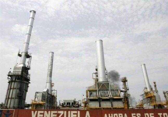 مبادله پایاپای نفت ونزوئلا با هند برای دور زدن تحریمهای آمریکا