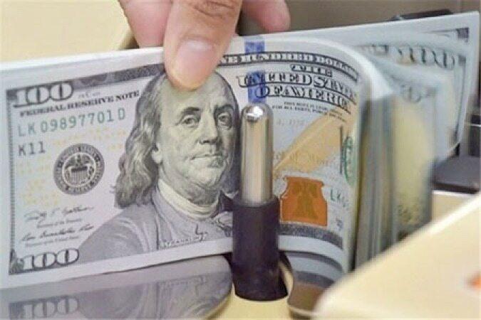 بانکها امروز دلار را چند میخرند ؟