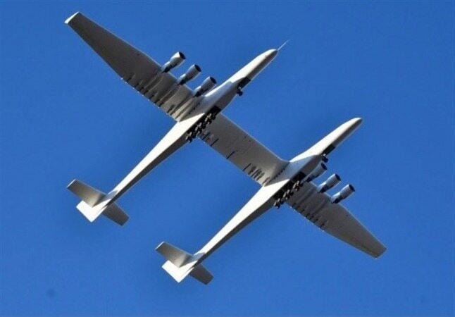 بزرگترین هواپیمای جهان رونمایی شد