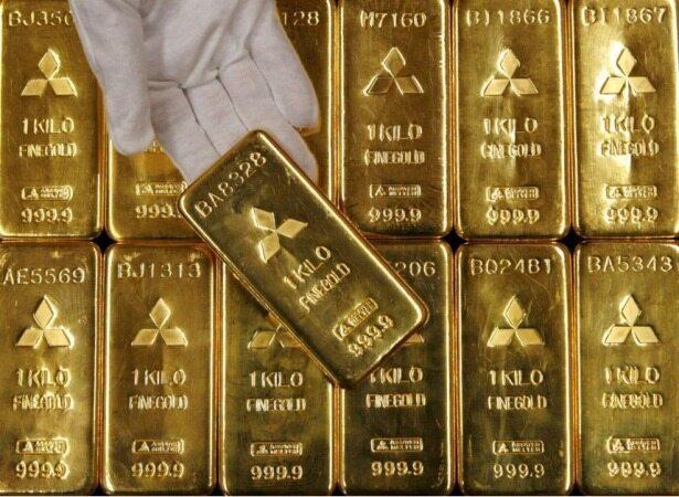 طلا همچنان به دلار واکنش نشان میدهد