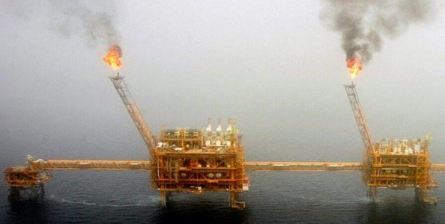 درگیریهای اقتصادی در جهان به نفع ایران/ قیمت نفت کاهش نمییابد
