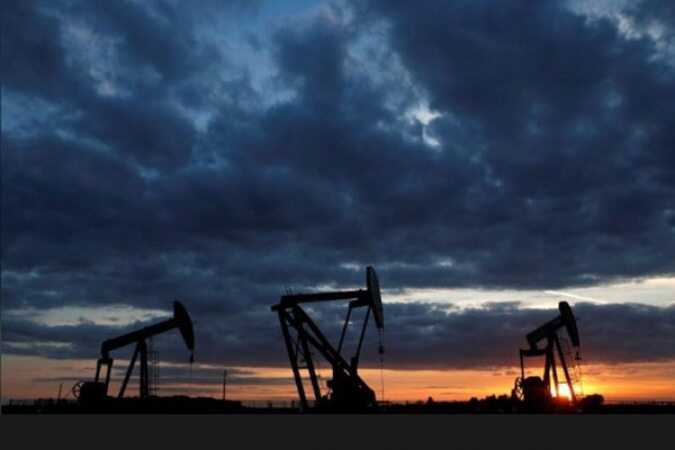 جنگ تجاری آمریکا- چین نرخ نفت را 62 سنت ارزان کرد