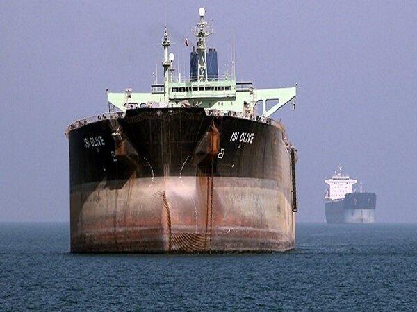 علرغم تحریمهای آمریکا؛ یک نفتکش ایرانی بار خود را در بندر چین تخلیه کرد