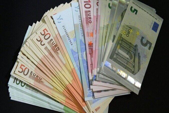 افت ارزش یورو با نگرانیها از بدهی ایتالیا و تنشهای تجاری