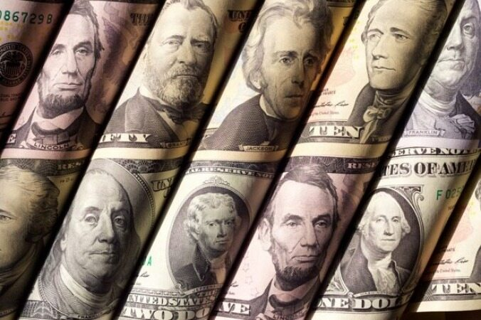 روسیه به فروش اوراق قرضه آمریکا ادامه داد