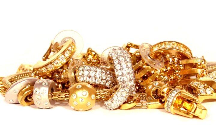 گرانی ۱۰۰ دلاری طلا در دو هفته گذشته
