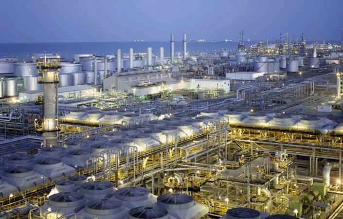 زیان چندصد میلیاردی غول نفتی/ عرضه آرامکو در بورس به تعویق میافتد؟
