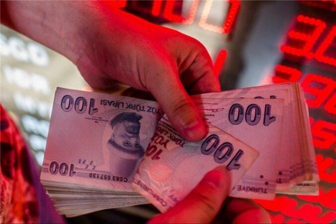 تهدید آمریکا به زمین گیر کردن اقتصاد ترکیه/ریزش مجدد ارزش لیر