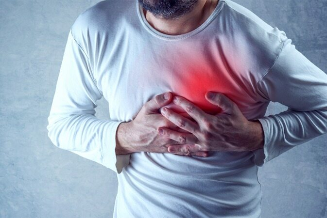 در زمان حمله قلبی باید چه کاری انجام دهیم؟